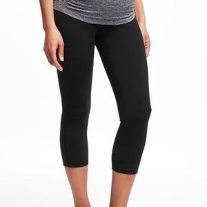 Old Navy Maternity Active Capris